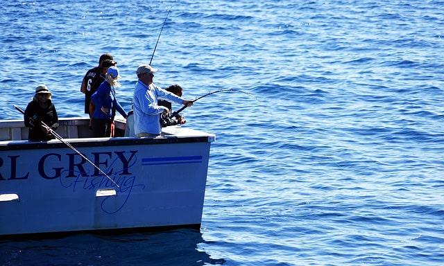 Angelschein Bremerhaven Angel Boot Fischereischein Angler im Boot