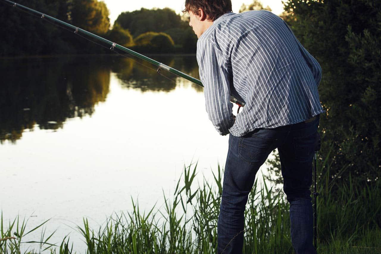 Angelschein Ulm machen Fischreeischein Angler Angelrute