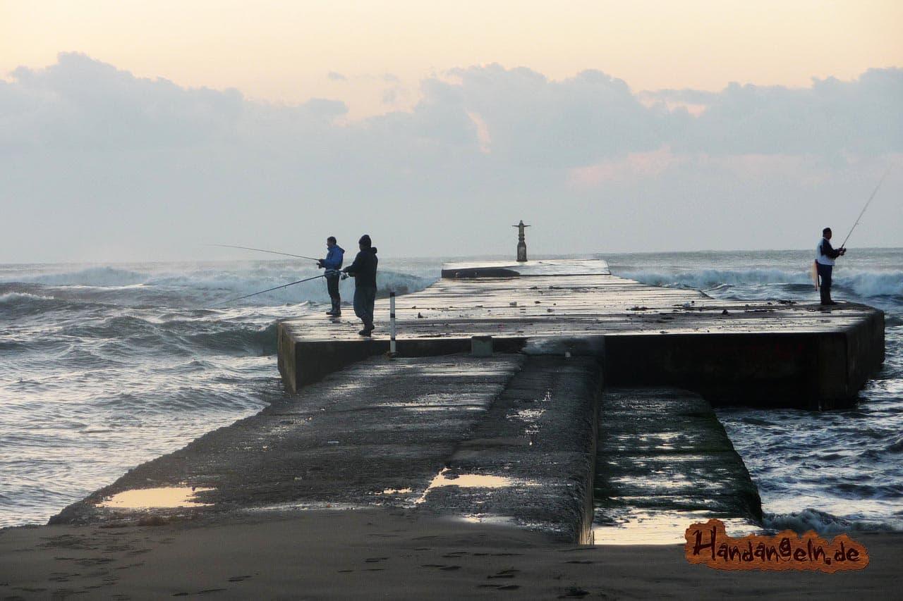 Dorschangeln vom Ufer Meeresangeln