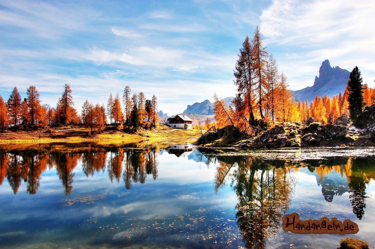 Forellenangeln Herbst Dolomiten Berge Italien Alpen
