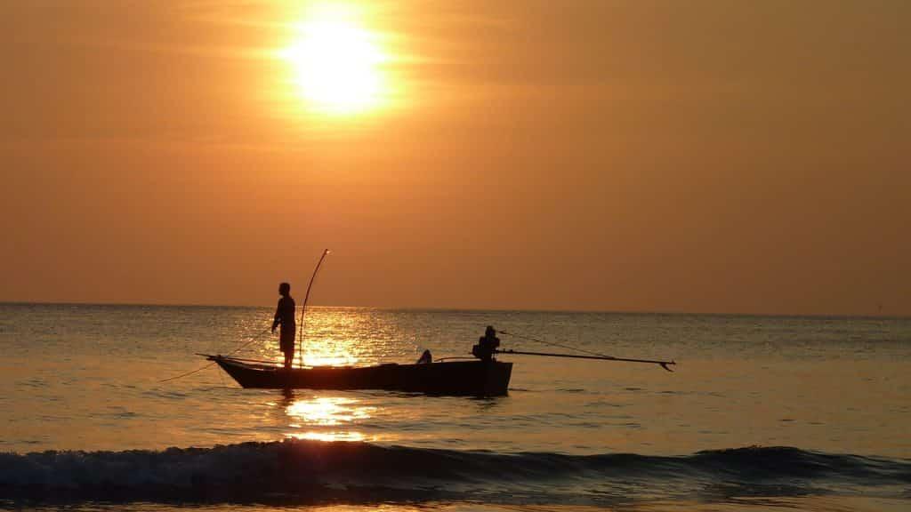 Fischer beim Welsangeln im italienischen Po